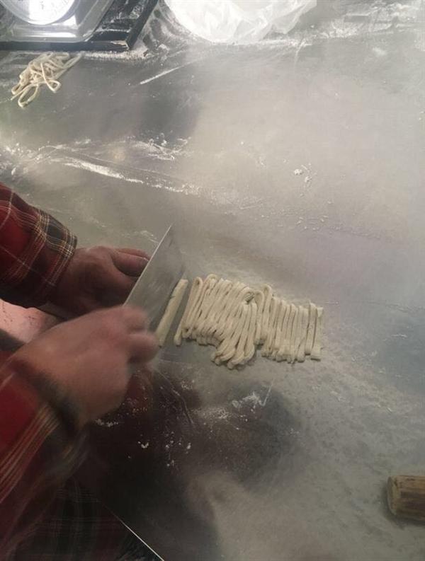 黄花牛肉手擀面制作流程