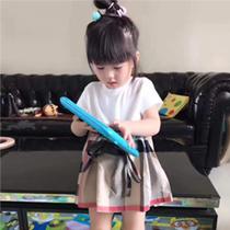 可爱女童素色大格短裙