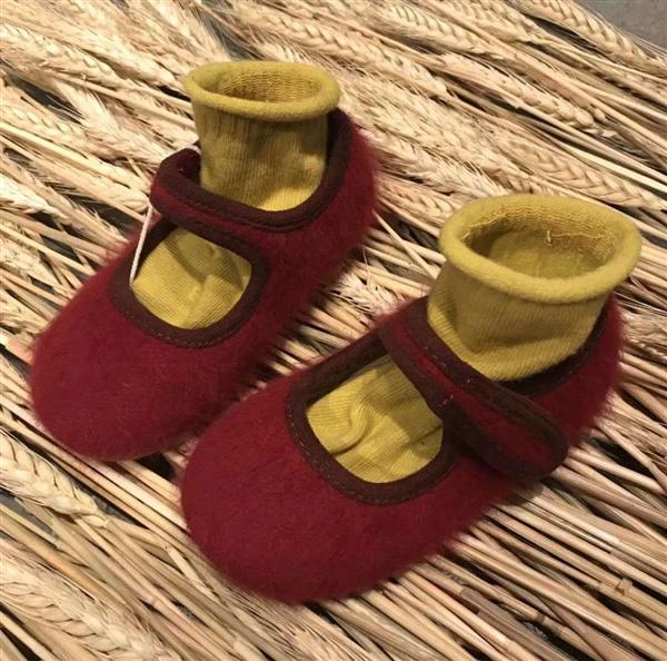红色长绒女款小布鞋